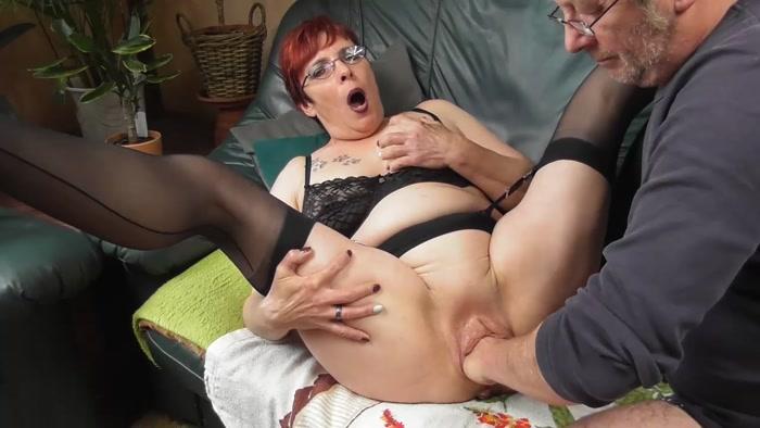 Fisting Granny Squirting Prolapse Pics