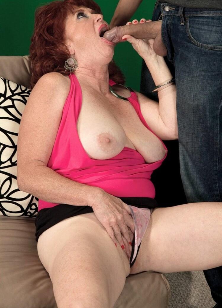 imagen de moh1 en el post Shirley Lily - una abuela  traviesa y muy cachonda