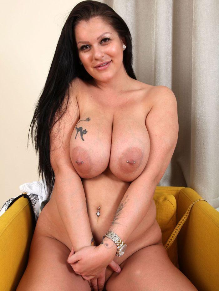 Anissa Jolie - una milf muy cachonda - colección