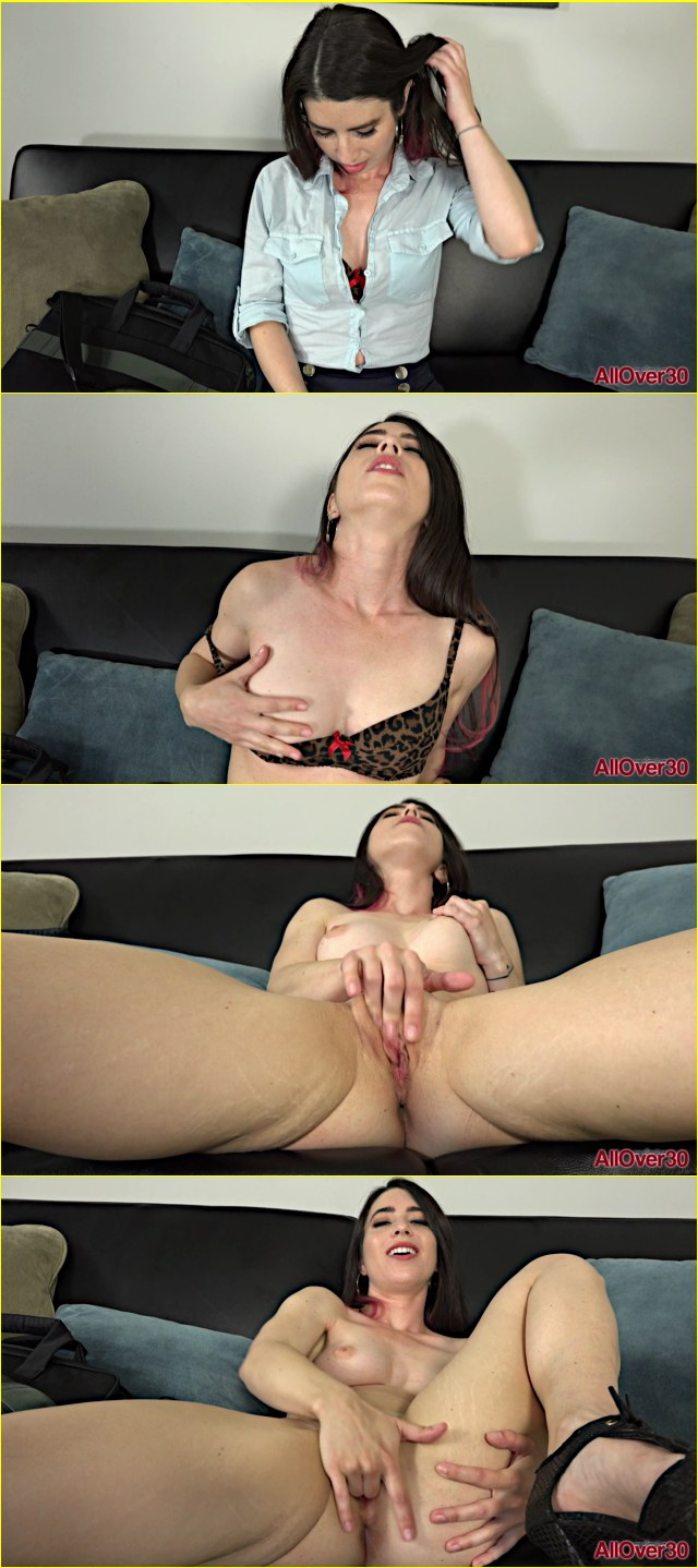 Solo Female Orgasm Big Tits