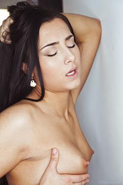 [Image: VivThomas_Suavity_Ana-Rose--Suzie-Carina...0094_s.jpg]