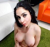 Marta La Croft-Bollos Y Crema