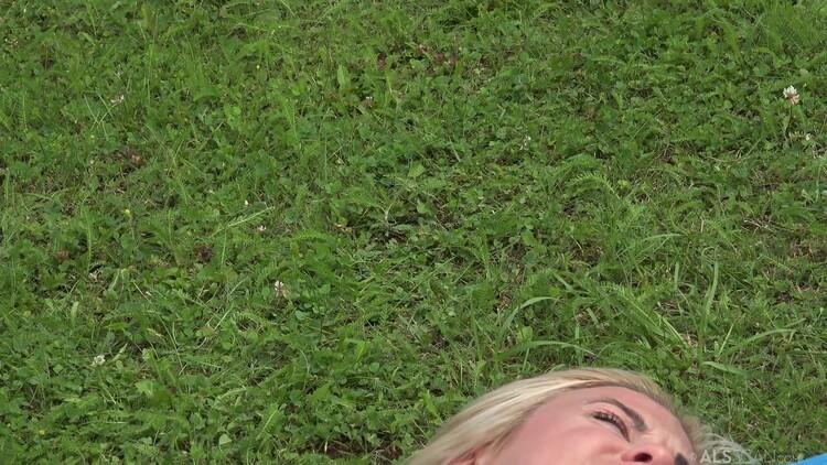 [Imagen: ALSScan.20.07.06.Sara.Kay.And.Vinna.Reed...-KTR_l.jpg]