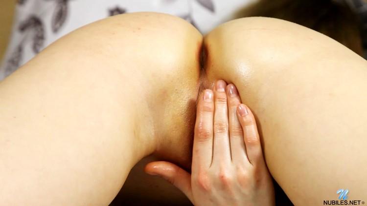 [Imagen: Nubiles.20.07.10.Angelica.Peachy.Petite....-KTR_l.jpg]