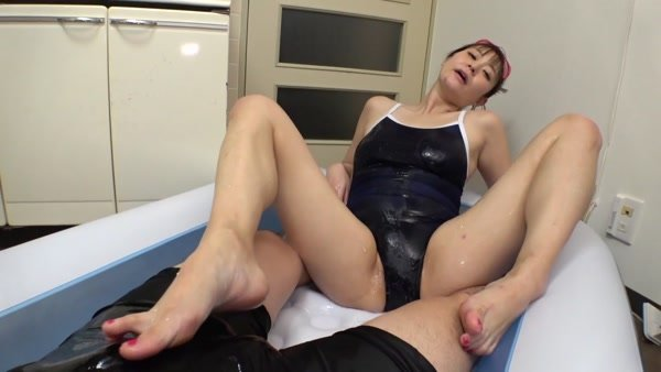 326SPB-001 Transformation Gonzo treasured cosplay Gonzo video leaked ww171cm tall G cup beauty (35) is 4 kinds of swimsuit, swimsuit and convulsions serious storm! !! Large amount of semen bombing www in trans nasty ma