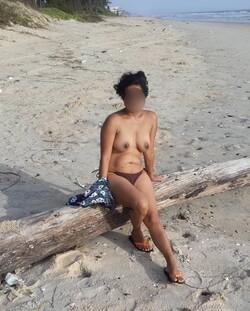 [Image: beach%2Bnude2_s.jpg]