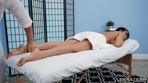 DirtyMasseur - Anissa Kate One Tight Ass Client [720p HD]