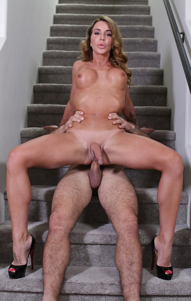 Watch her lay back on the stairs
