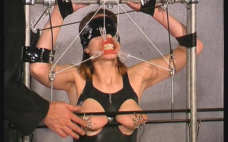 Bettine tit torture in rubber