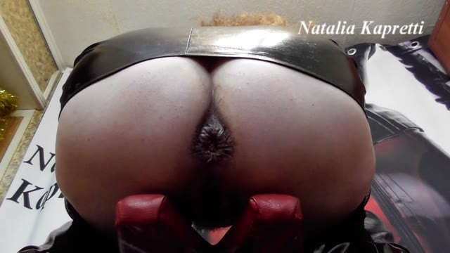 Mistress Natalia Kapretti - Took shit, masturbating with shit inside pussy