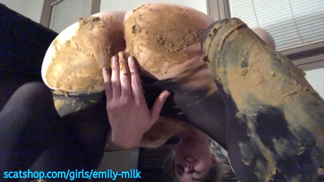 [TGirl]EmilyMilk - Huge Panty Poo Smear and Taste!