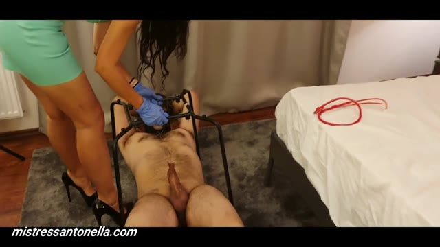 MistressAntonellaSilicone - Doctor Antonella makes treatment fishing and caviar