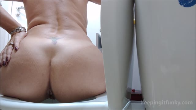 funkyladies - Queen Sylvy's Tits and Shits!!