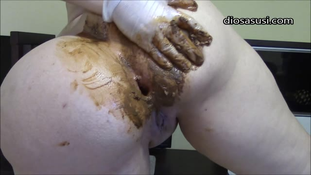 DiosaSusi - Ass Fingering and Shitting