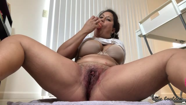ellieboulder - Bloody Period Masturbation and Licking