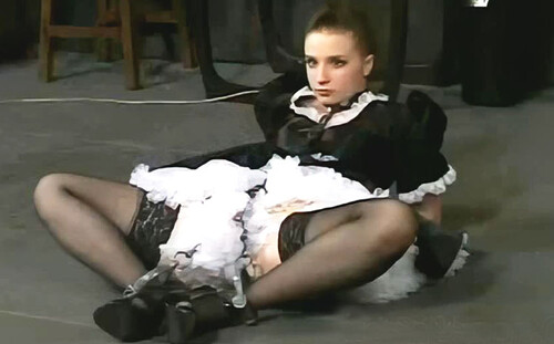 20020619---The-Maid-Live-Feed-From-01.12.2002-Az_m.jpg