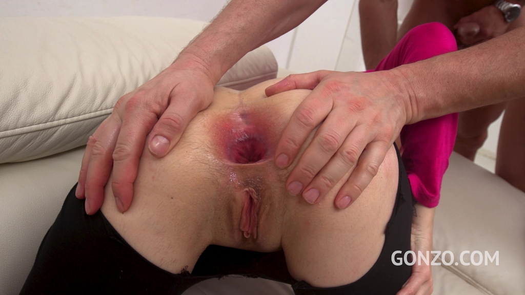 LegalPorno - Gonzo_com - Holly Hole first time in studio with DAP, TAP & 0% pussy fucking SZ2422