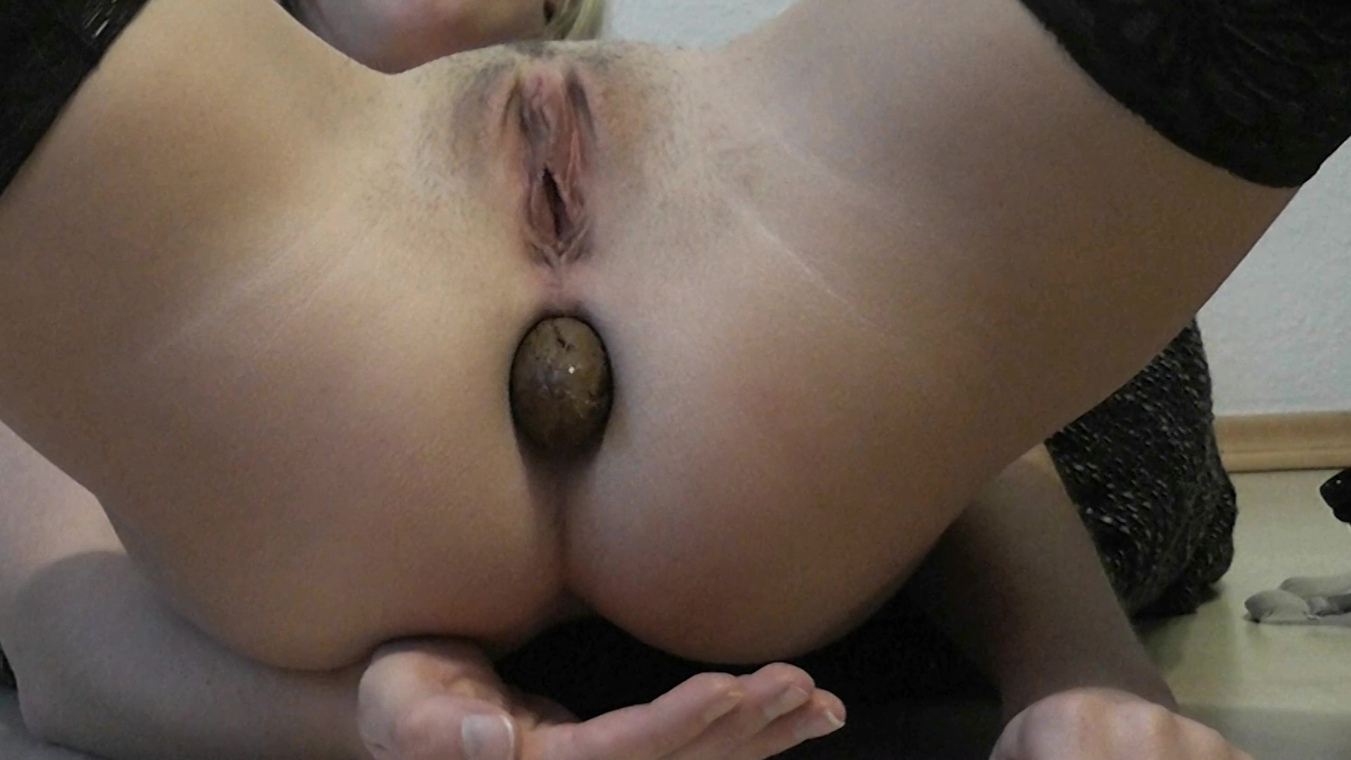 MiaRoxxx - I catched my turd!