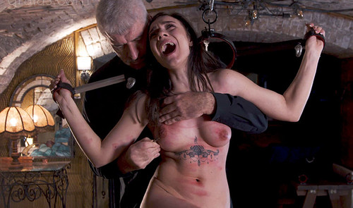 Kyra---the-Clamps---Part-3-of-6_m.jpg