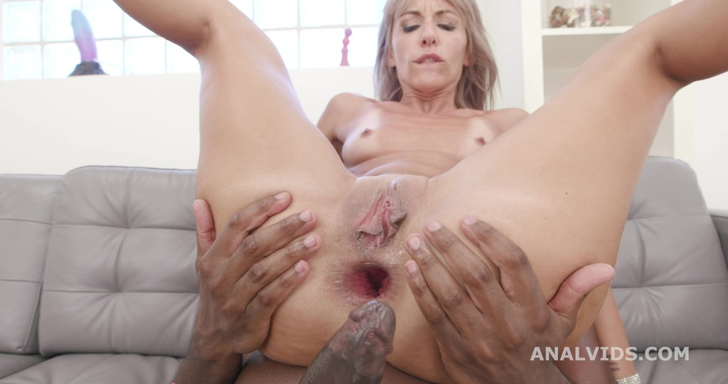 LegalPorno - Giorgio Grandi - Double Anal Creampie Vicky Sol is back for Balls Deep Anal, Gapes, Rough Sex and Creampie Swallow GIO1547