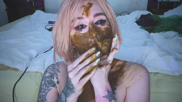 SweetBettyParlour - Shit obsessed girl made a mess