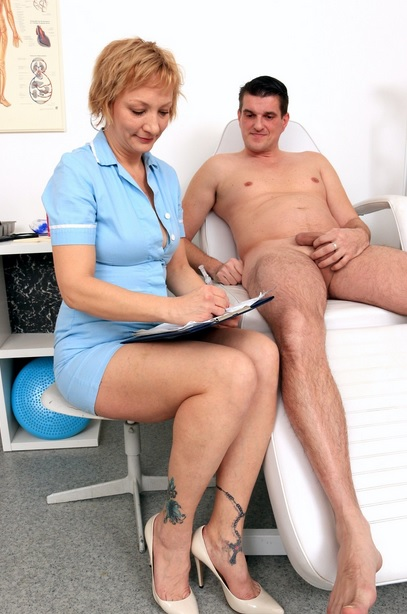 Dick sucking at sperm clinic with Milf doctor Reba