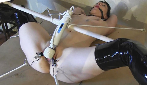 Streched-and-Hitachi_m.jpg