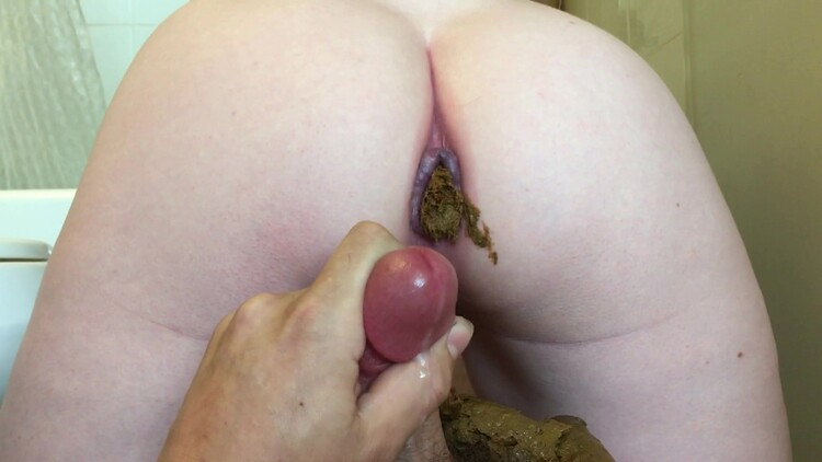 amateurcouplewithfriends769 - Cumming while she poops on me 4