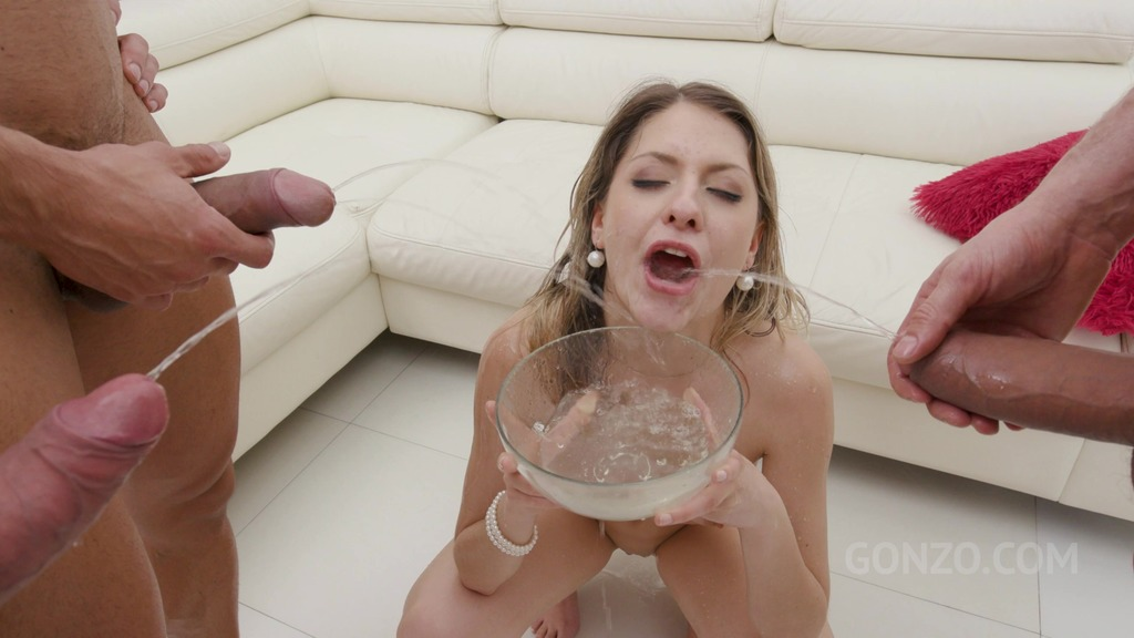 LegalPorno - Gonzo_com - Rebecca Volpetti is a piss drinking slut! (first time pee scene) SZ2445