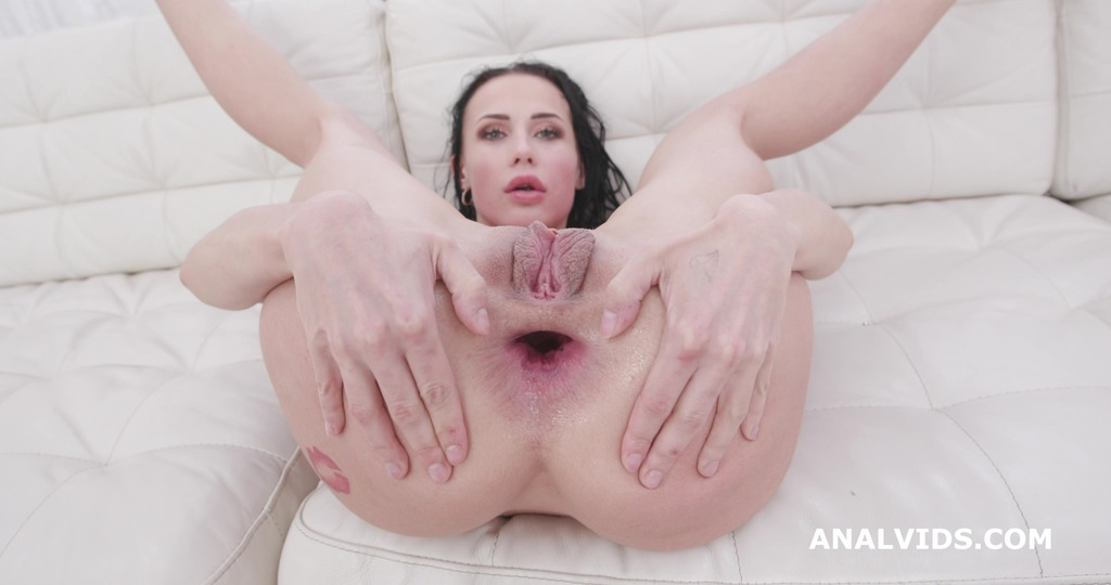 LegalPorno - Giorgio Grandi - Nicole Love 4on1, Balls Deep Anal, DAP, Gapes, Face Slapping and Swallow GIO1452