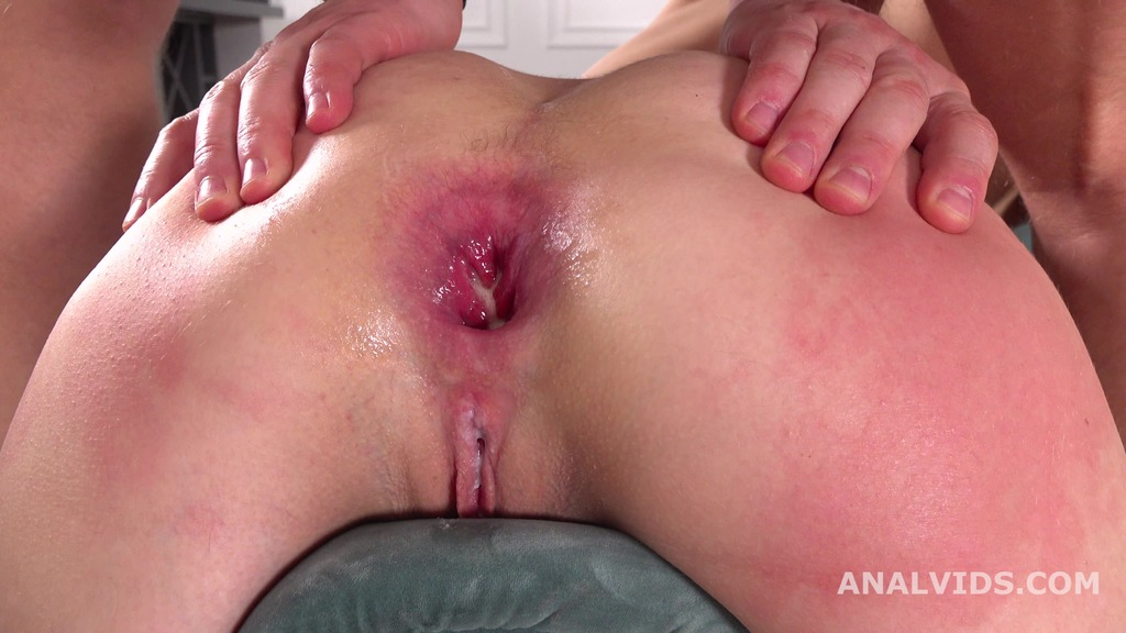 Download LegalPorno - Giorgio Grandi - Stasia Si 3on1 Balls Deep Anal, DAP, Gapes, Manhandle and Swallow GL175