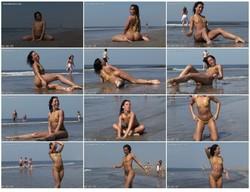 bikini-dare087_thumb_s.jpg