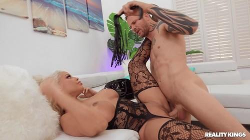 Sneaky Sex – Bridgette B Take Notes (2020)