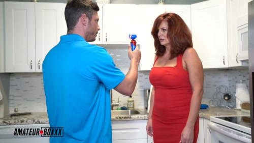 Big Titty Milf is Mesmerized By Angry Delivery Dude – Andi James