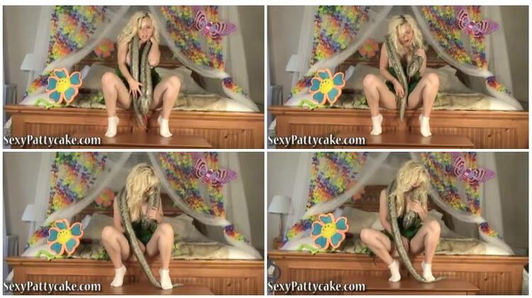 SexyPattycake011_cover_l.jpg